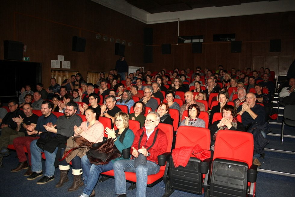 Vladimír Mišík na koncertě v kině v Lysé nad Labem v lednu 2017.
