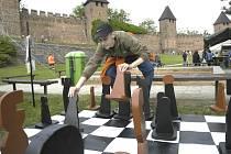 Na loňské Bambriádě se hrály i šachy.