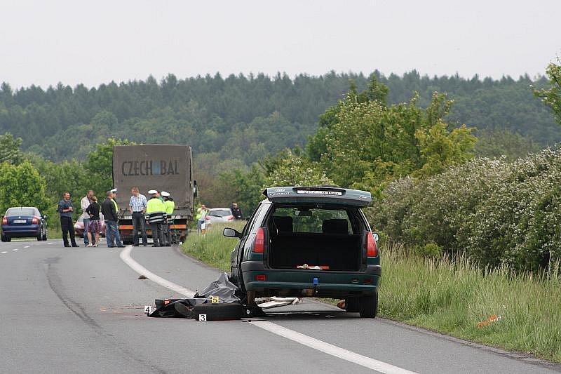 Smrtelná nehoda u Nouzova