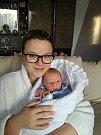 MICHAEL FEIT se narodil 25. října 2018 v 10.23 hodin s délkou 47 cm a váhou 2 666g. Rodiče Sandra a Adam z Libice nad Cidlinou se na prvorozeného chlapečka předem těšili.