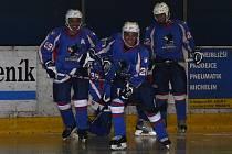 Kuvajtská hokejová reprezentace při zápase s Pečkami