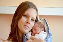 MALÝ JIRKA JE DOMA V MILOVICÍCH. Jiří Lebka se narodil v kolínské porodnici 23. srpna 2013. Vážil 1730 gramů a měřil 41 centimetrů. S maminkou Lucií a tatínkem Jiřím je doma v Milovicích.