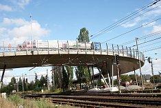 Nadjezd u Koutecké ulice byl otevřen už před třemi lety. Autoři generelu nyní chtějí vybudování podjezdu v místě původního železničního přejezdu pro cyklisty a chodce.