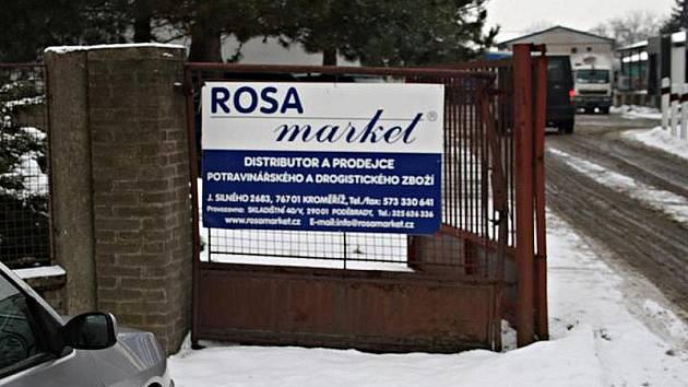 Velkoobchod Rosa Market ve Skladištní ulici v Poděbradech.