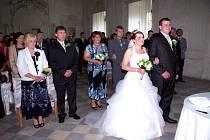 SVÉ ANO si v barokním sálu zámku Křinec letos řekli také novomanželé Nožičkovi.