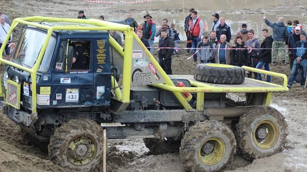 Ze závodů trucktrialů v Milovicích