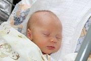 EMMINKA JE PRVNÍ. EMMA VALEČKOVÁ se narodila 10. března 2017 v 14.22 hodin. Její míry byly 3 100 g a 49 cm. Maminka Jaroslava a táta Jaroslav věděli, že z porodnice odjedou  domů do Milovic s  malou slečnou.