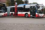 Nové kloubové autobusy jezdí na dvou nejvytíženějších linkách nymburského okresu.