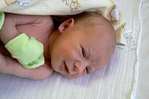 ZUZANA A MAREK Z PŘEROVA NAD LABEM BYLI SPOKOJENI. V úterý 17. února se jim totiž v 9.15 hodin narodil očekávaný syn Mareček Vedral. Vážil 3023 g a měřil 51 cm. Třeba se zanedlouho dočká i nějakého sourozence.