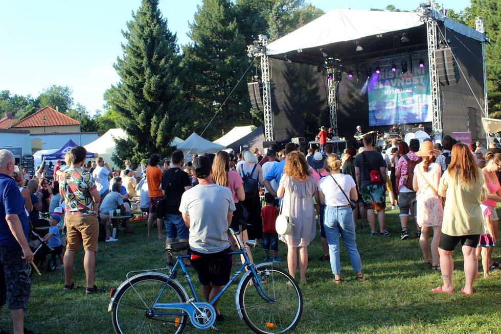 Sedmnáctá Přístavní slavnost přilákala do parku pod hradbami skvělé kapely i stovky fanoušků.