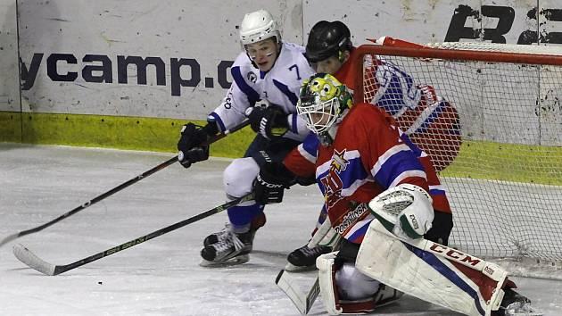 Z hokejového utkání play off Nymburk - Kolín (1:5)