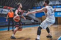 Z basketbalového utkání Kooperativa NBL Ostrava - Nymburk (66:95)