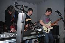 Koncert Artmosphere a G-Divers v kavárně U Strejčka