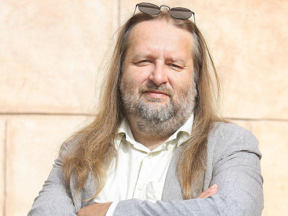 Šéfredaktor Miroslav S. Jilemnický.