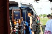 Legiovlak se třinácti vagóny, který byl postaven jako připomínka 100 let od těžkých časů československých legionářů v Rusku, stojí v těchto dnech na nádraží v Lysé nad Labem.