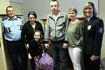 Na policejní stanici v Městci Králové se setkaly dvě rodiny, jimž osud připravil nelehké chvíle.