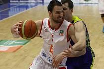 Z basketbalového utkání semifinálové série NBL Nymburk - Opava