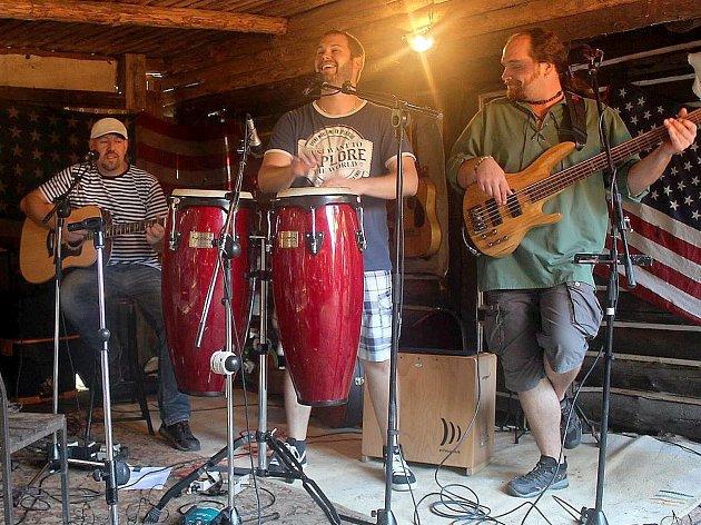 Skupina Lážo Plážo na jednom z koncertů.