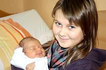 NA BARUNKU SE TĚŠILA I SESTŘIČKA. Barunka Sedláčková se narodila ve čtvrtek 18. října 2012 v 8.23 hodin s mírou 47 cm a váhou 3 020 g. Rodiče Jana a Mirek si dceru odvezou domů do Městce Králové za desetiletou sestrou Andrejkou.