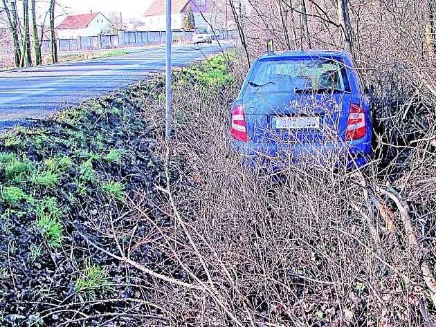 Škoda Fabia bourala u Nymburka