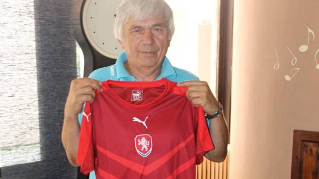 Vítězný Radek Bulíř vyslal kvůli pracovním povinnostem svého otce Jaromíra (na snímku).
