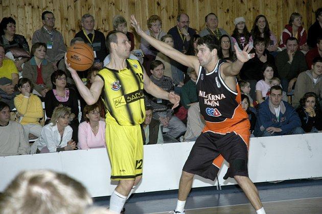 Zkušený Pavel Kubálek (vlevo) už dres Sadské neoblékne.