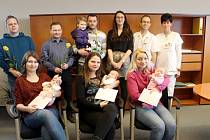 Vítězky získaly poukazy na nákup potřeb pro své potomky.