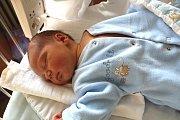 ROBIN NEČAS se narodil 17. února 2018 ve 22.58 hodin s výškou 53 cm a váhou 4 160 g. Z prvorozeného chlapečka se radují rodiče Martina a Martin z Poděbrad.