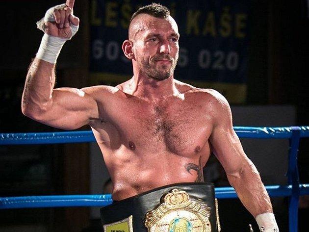 DANIEL VENCL vyhrál hlavní zápas galavečera.