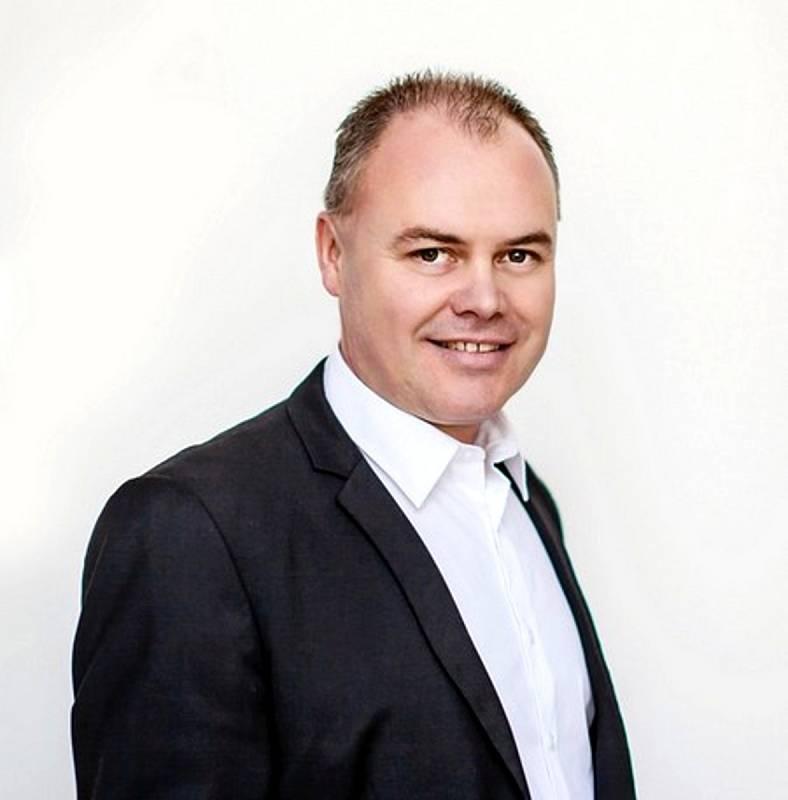Radek Rozvoral je na 1. místě kandidátky SPD.