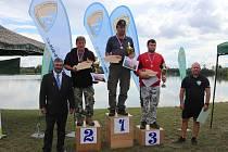 Vítězové dospělí (zleva): Dušan Hýbner, František Syrový, Jan Prepsl, Radek Vinkler ml., Radek Zahrádka.