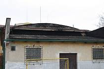 Tak vypadá budova nářaďovny z roku 1920 v litoslké škole.
