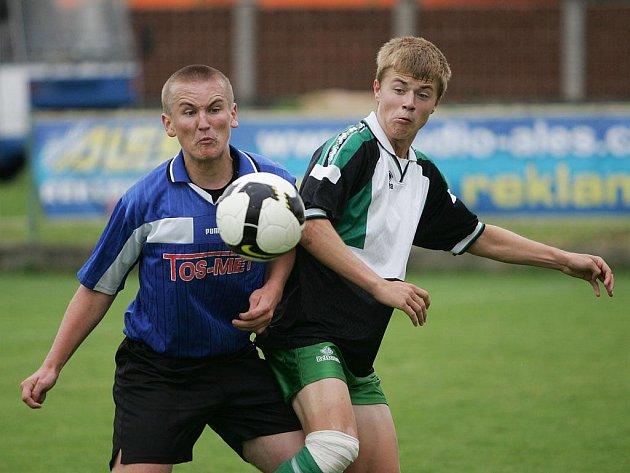 Z fotbalového utkání krajského přeboru staršího dorostu Polaban Nymburk - Union Čelákovice (1:1)