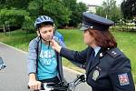 Preventivní akce mající za cíl správné vybavení cyklistů se konala společně na cyklostezkách Nymburska a Kolínska.