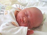 MAREK PAVEL se narodil 8. března 2018 v 5.33 hodin s délkou 51 cm a váhou 3 800 g.  Z chlapečka se radují rodiče Marek a Barbora ze Sadské, kde se na brášku těší tříletá sestřička Nikolka.