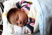 VIKTORKA JE TŘETÍ. Viktorka Křivská se narodila 15. listopadu 2017 ve 23.56. Má míry 4 410 g a 51 cm. Líba s Honzou z Chrástu už mají Barunku (9) a Honzíka (3).