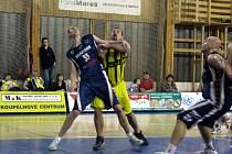 Basketbalisté Sadské porazili Prostějov o dvacet bodů 107:87.