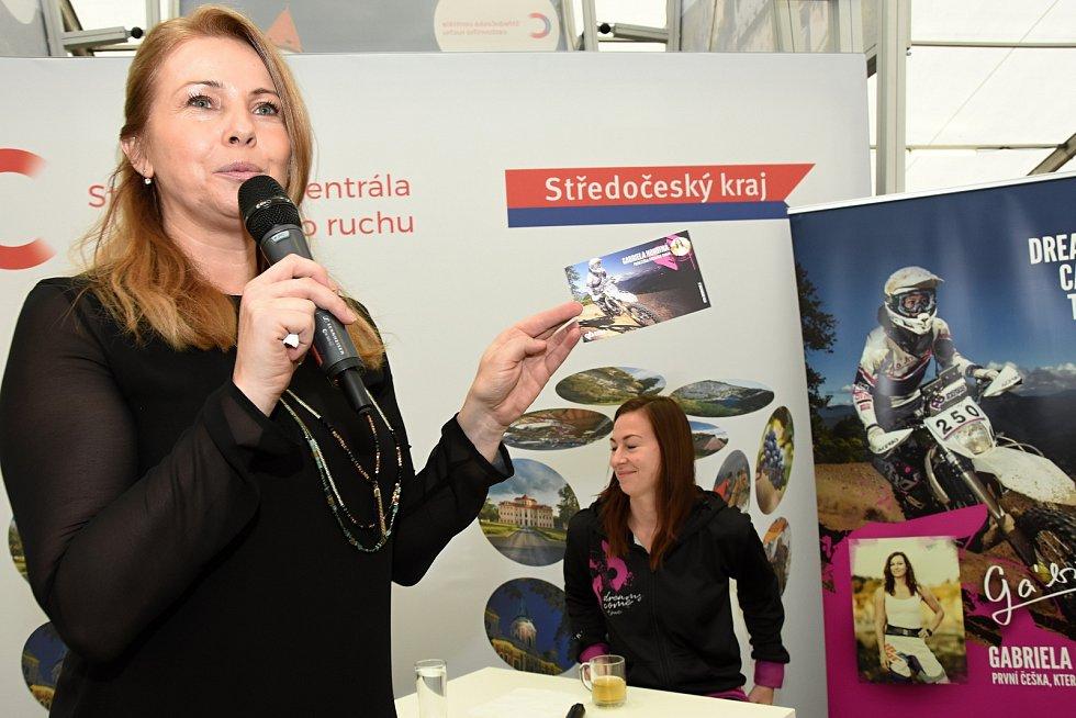 Středočeský kraj se prezentoval na veletrhu cestovního ruchu na Výstavišti v Pražských Holešovicích.  Mezi pozvanými hosty na krajském stánku nechyběla motocyklistka Gabriela Novotná známá účastí v Rallye Dakar.
