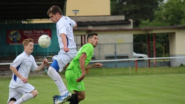 Z fotbalového utkání krajské I.B třídy Slovan Lysá - Libice nad Cidlinou (3:1)