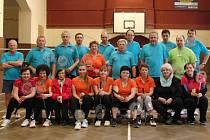 Účastníci badmintonového turnaje v Sadské