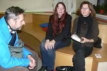 Ze setkání s Františkou Jirousovou a Alenou Suchánkovou v Městské knihovně v Nymburce.