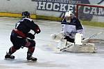 Hokejisté Nymburka ve třetím kole druhé ligy vyhráli, na svém ledě porazili tým Trutnova 5:3.