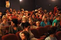 Pohádka Dlouhý, široký a bystrozraký v Hálkově divadle