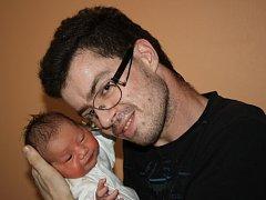 LILINKA I NIKOL. LILIANA NIKOL SVOBODOVÁ je malá slečna narozená 23. července 2017 v 9.03 hodin. Holčička vážila 2 890 g a měřila 47 cm. Je zatím prvním miminkem rodičů Nikoly a Ládi z Rožďalovic.