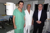 Nový rentgen pomáhá na chirurgickém oddělení nymburské nemocnice.