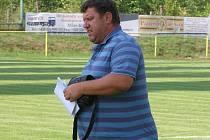 TRENÉR PAVEL JAREŠ připravený na zápas