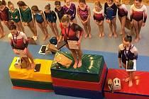 Poděbradské cvičky, gymnastického závodu, se zúčastnilo 168 cvičících, 54 chlapců a 114 dívek