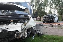 Nehoda dvou automobilů se stala ve středu po 17. hodině v Kostelní Lhotě.