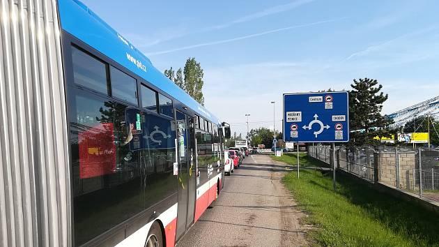 Omezení na jihu Prahy potrápí Středočechy po čtvrt roku.