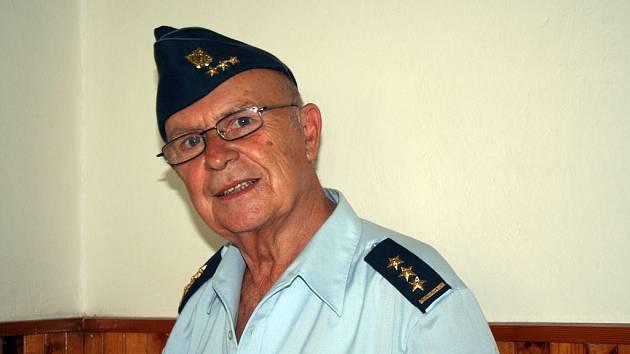 Podplukovník Josef Křena, bývalý zástupce velitele 47. průzkumného leteckého pluku.